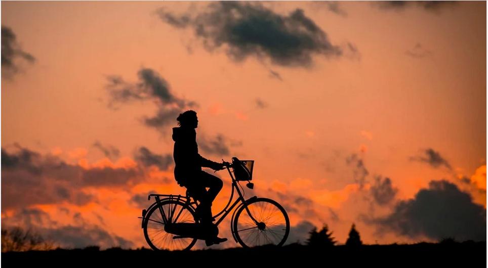 Voyager en vélo électrique: une manière originale de découvrir le monde!